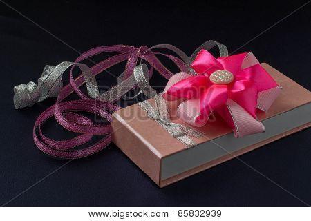 Gift, Bow And Ribbon
