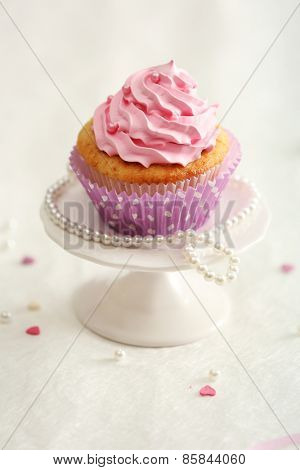 Delicious cupcake on table  close-up