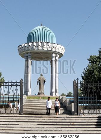 Tashkent The Alisher Navoi Memorial 2007