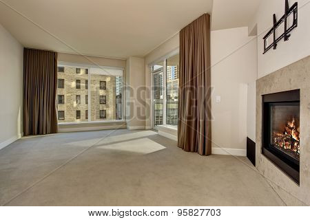 Large Unfurnished Bedroom With Fireplace.