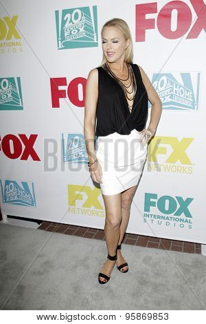 SAN DIEGO - JUL 10:  Elaine Hendrix at the 20th Century Fox Party Comic-Con Party at the Andaz Hotel on July 10, 2015 in San Diego, CA