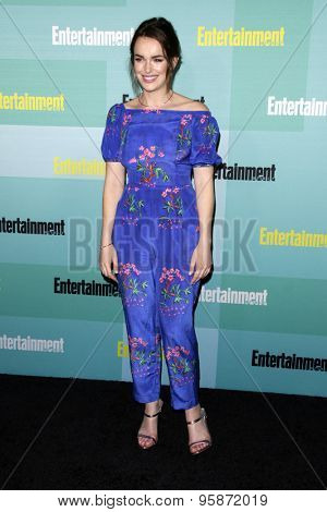 SAN DIEGO - JUL 11:  Elizabeth Henstridge at the Entertainment Weekly's Annual Comic-Con Party at the Hard Rock Hotel on July 11, 2015 in San Diego, CA