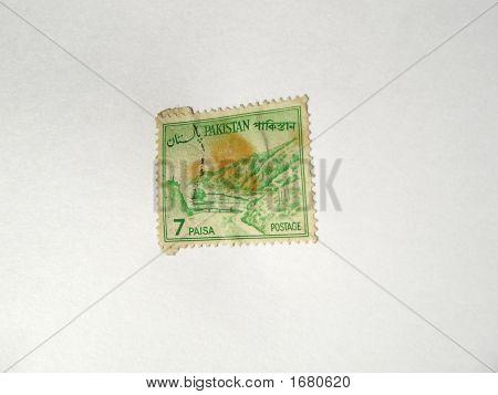 Old Postal Stamp Of Pakistan 7 Paisa - Sixties