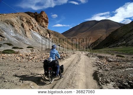 Cycling through Tibet