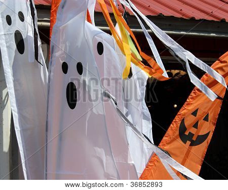 Ghost and pumpkin banners