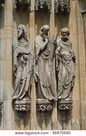 Estátuas religiosas