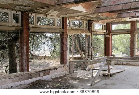 empty sanatorium room
