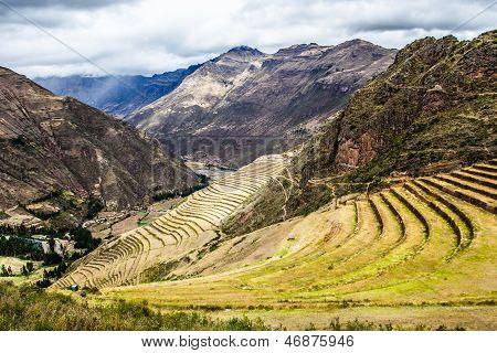 Perú, Pisac (pisaq) - Inca ruinas en el Sagrado Valle en los Andes peruanos