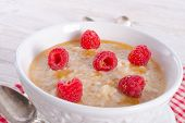 Oatmeal With Fresh Raspberry