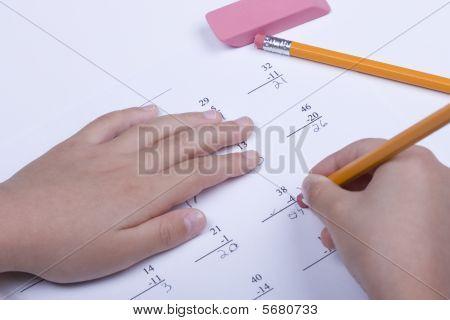 Corregir un problema de matemáticas.