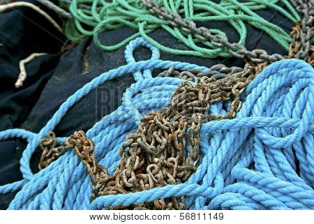 Ropes and chain