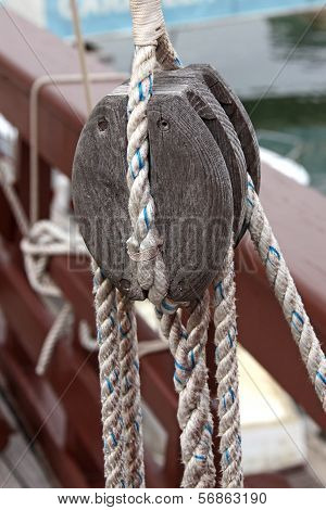 Rope Caravel