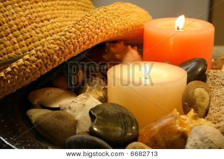 Kerzen und Hut Dekoration