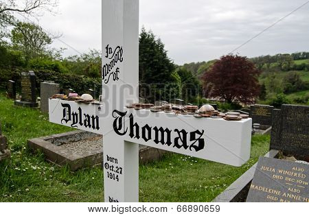 Dylan Thomas headstone, Laugharne
