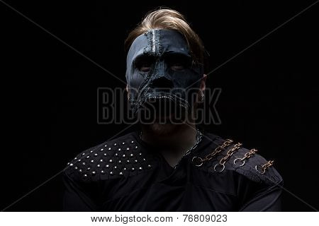 Photo of the blond man in mask