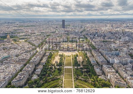 Paris. Champ De Mars
