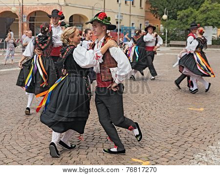 Italian Traditional Dance