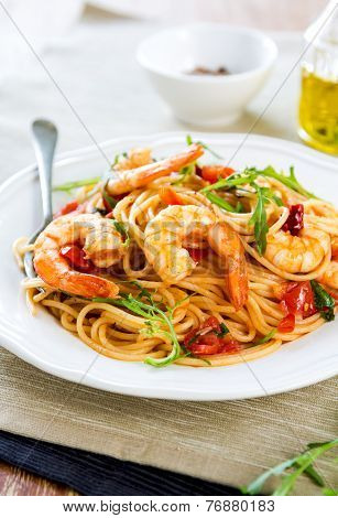 Spaghetti With Prawn And Tomato