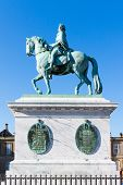 picture of deceased  - Bronze statue of the deceased Danish King Frederik V - JPG