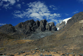 pic of tatas  - Trata Tata massif is in Huancasayani valley in bolivian Apolobamba - JPG