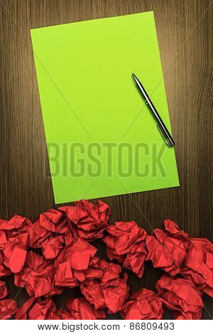 Concept Brilliant Or Good Idea Red Green Paper Pen