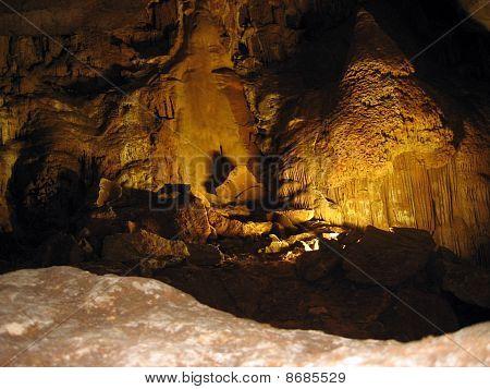 Emine-bair-hosar Cave