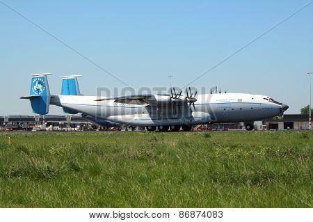 Antonov 22