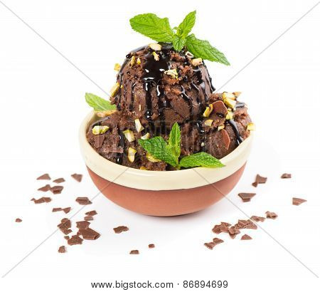 Chocolate Ice Cream With Nut And Mint
