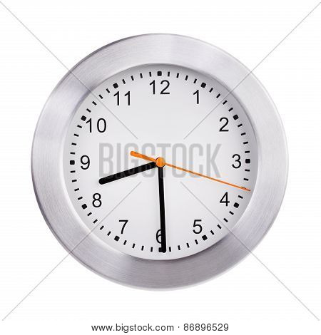 Round Clock Shows Half Of The Ninth