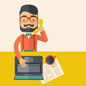 foto of telephone operator  - Hipster Caucasian online customer service operator with beard smiling while talking to his customer inside his office - JPG
