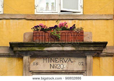 Flowerpot on timber-framed masonry