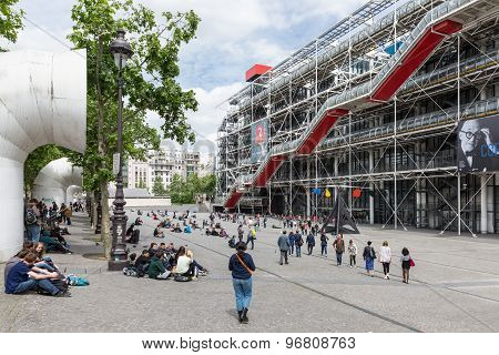 Tourists Relaxing In Front Of The Centre Pompidou In Paris, France