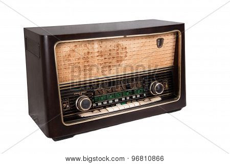 Old vintage radio that is able to receive worldwide transmission over short wave.