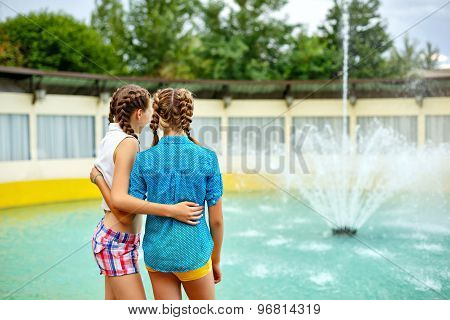 Best Girlfriends Are Looking At The Fountain.