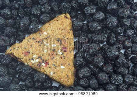 Integral Cookie With Fruit And Sesame Surrounded With Dried Aronia