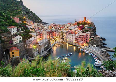 Cinque Terre (italian Riviera), Vernazza At Sunrise