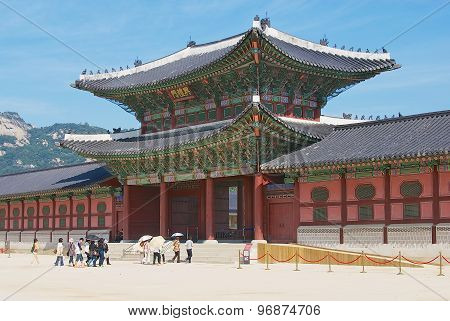 People visit Gyeongbokgung Royal Palace in Seoul, Korea.
