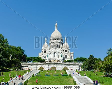 Paris - SEPTEMBER 12, 2012: Basilique du Sacre Coeur on September 12 in Paris, France. Basilique du Sacre Coeur is popular tourist destination