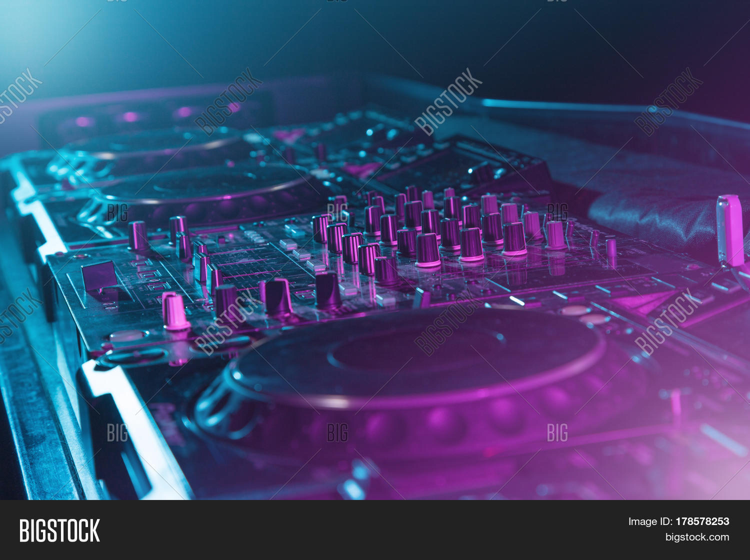 Dj sound equipment nightclubs music image photo bigstock for House music events