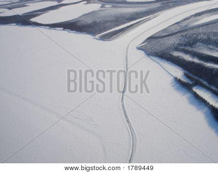 Mackenzie-Delta Luftbild Eisstraße weite