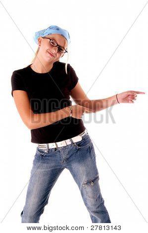 Discoteca joven bailando señalando la manera aislado en blanco