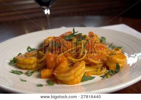 Linguini Con Scampi, Nudeln und Garnelen