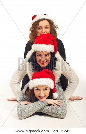 Happy Friends mit Nikolausmütze aufwärts