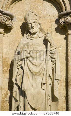 Estátua de Saint Osmund, Catedral de Salisbury
