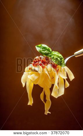 hot pasta with tomato sauce