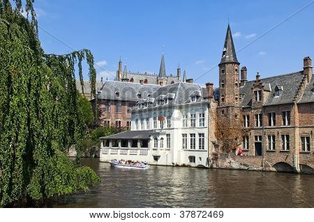 Picturesque Canals Of Ghent , Belgium