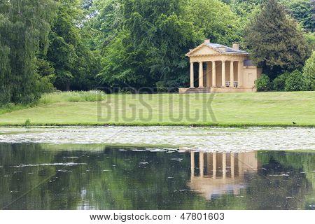 Western Lake Pavilion, Stowe, Buckinghamshire, England