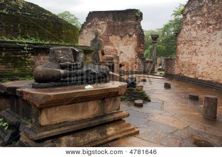 Ruins Of Vatadage Temple In Polonnaruwa