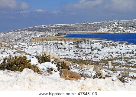 barrage snow mountain