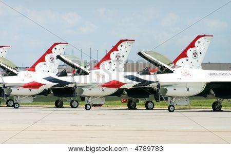 Thunderbird F-16S